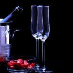 Wybór kieliszków do szampana – na czym warto się skupić?
